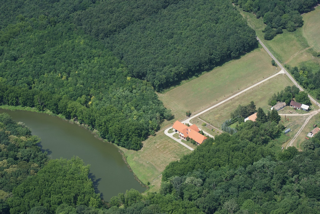 Kisszékely Hunting Lodge of Gyulaj Plc (ariel view)